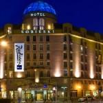 Warszawa: pobyt dla 2 osób lub rodziny ze śniadaniem, fitness i więcej od 219 zł w Hotelu Radisson Blu Sobieski 4*
