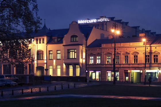 Mercure Bydgoszcz Sepia _fasada_noc