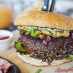 """7 Twarzy Burgera! """"Nie ma bardziej szczerej miłości, niż miłość do jedzenia"""". Kolejna odsłona Jack & Burger."""