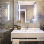 Hotelowa łazienka przyszłości: AccorHotels stawia na interaktywne prysznice