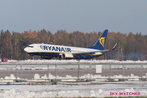 Boeing 737-800 Ryanair w Modlinie