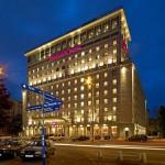 Mercure Warszawa Grand – pracownik recepcji